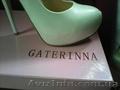 Продам білі брендові туфлі